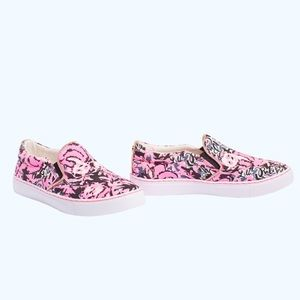 Lilly Pulitzer Julie sneaker hanging with my boo